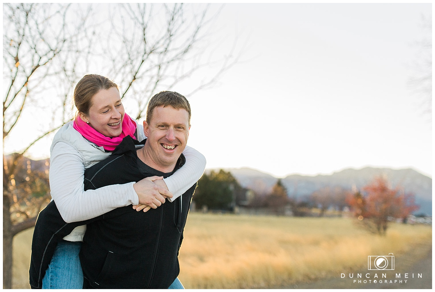 Relaxed Couple's Shoot on Location in Colorado // Vicky & Bill