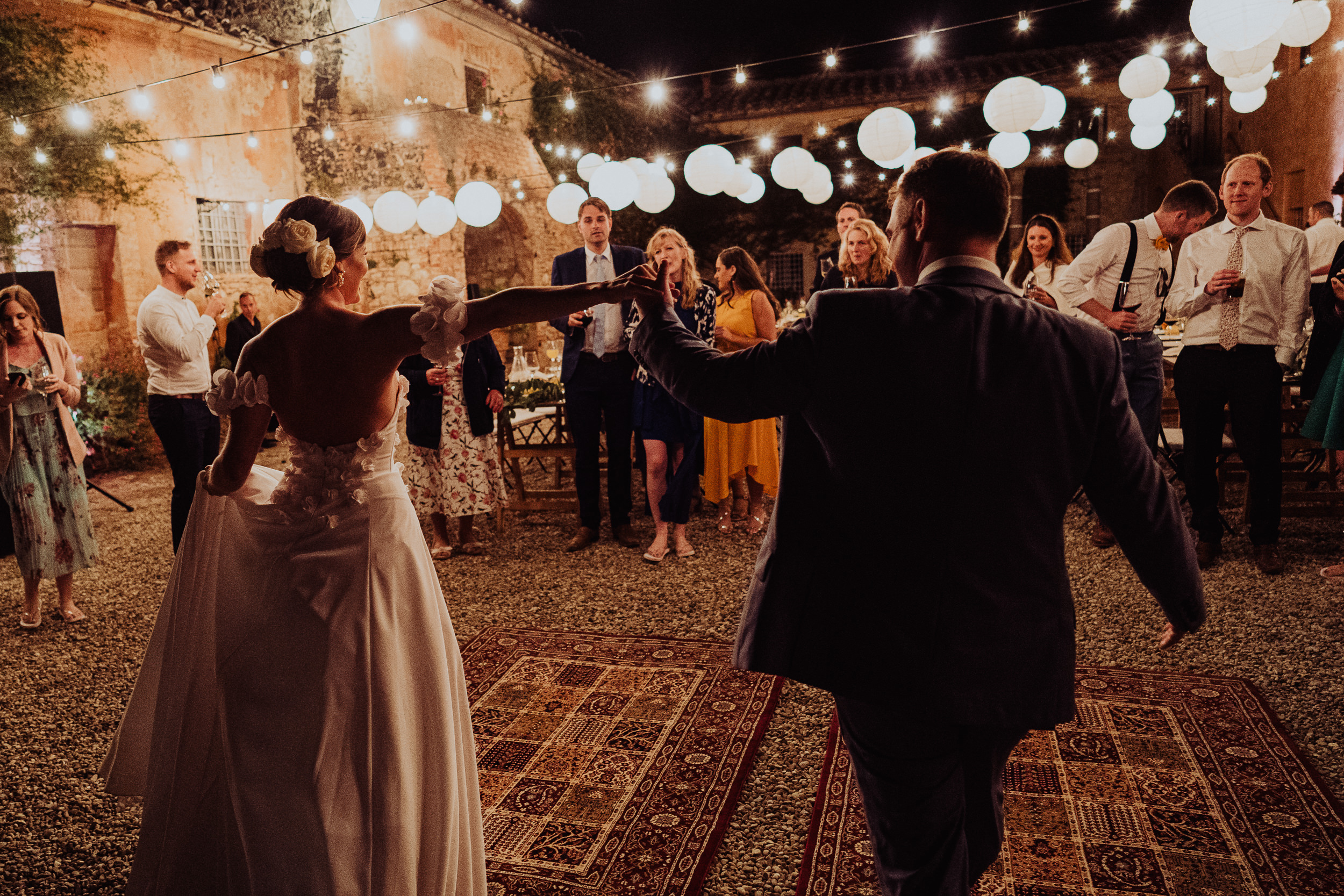 Tuscan Villa Wedding - The first dance